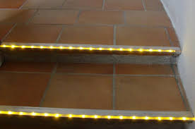 led treppe beleuchtete stufen led treppenbeleuchtung treppen beleuchtet
