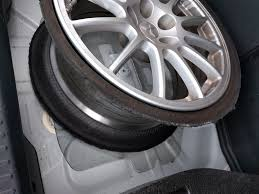 tire blowout evolutionm mitsubishi lancer and lancer evolution