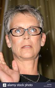 jamie lee curtis haircut back view jamie lee curtis at the step up womens network luncheon