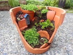 funky broken pot design for best small garden layout ideas