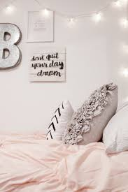 Teenage Girls Bedroom Ideas by Decorating For A Teen