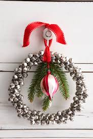 vibrant creative christmas wreath decorations innovative ideas 40