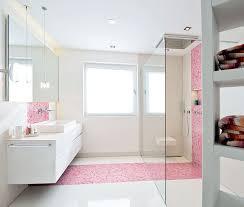 bad weiss badezimmer in weiss und rosa die mischung machts bad heizung