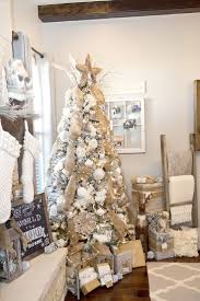 Christmas Tree Decorating Ideas Best 20 White Christmas Tree Decorations Ideas On Pinterest