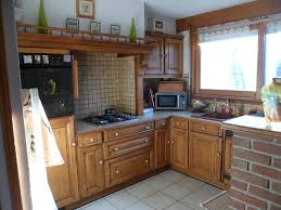 cuisine en carrelage cuisine relooker plan de travail en carrelage refait en béton