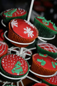 Cupcakes Design Ideas Simple And Creative Christmas Themed Cupcake Designs And