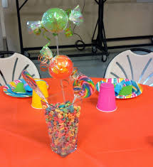 centerpieces with candy party people event decorating company candyland balloon arch