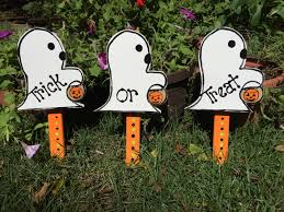 halloween ghost trick or treat lawn stakes yard art signs