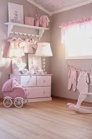 mädchen kinderzimmer babyzimmer dekoration rosa farbe le kinderzimmer spielzeuge