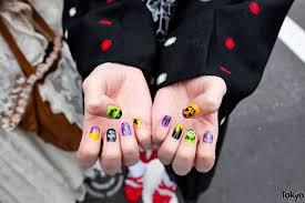 stylish harajuku girls w pink hair teddy bear u0026 halloween nail art