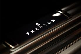 2018 rolls royce phantom first look motor trend
