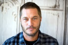 travis fimmel hair for vikings vikings actor travis fimmel developing wyatt earp series ew com