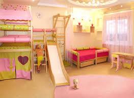 chambre a theme avec chambre enfant avec espalier suédois sur le thème des princesses