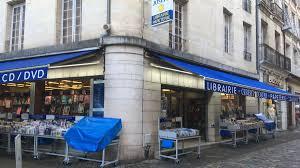 bureau de change poitiers poitiers vers un plan de reclassement à la librairie gibert joseph