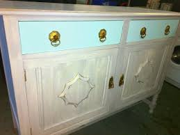 How To Shabby Chic Paint by How To Create Your Own Shabby Chic Dresser With Chalk Paint