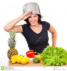 femme dans la cuisine femme cuisine femme au foyer joyeux pques latvian cuisine
