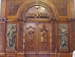 main doors file screen behind main doors jpg wikimedia commons