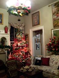 eye for design red interiors are fabulous especially at christmas