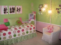 pink and green walls in a bedroom u003e pierpointsprings com