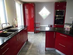 cuisine bordeaux laqué meuble haut cuisine laqu conforama plan de cagne meuble