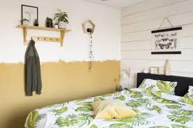 slaapkamer plank boven bed steigerhouten nachtkastje met lade