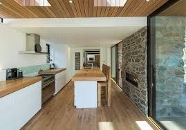 cuisine maison bois renovation meuble cuisine bois deco maison moderne