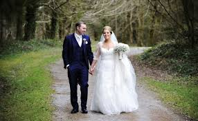 where can i sell my wedding dress finding your wedding dress within your budget sell my