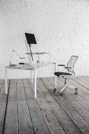 Black Desk And Chair Which Work Desks And Chairs Are Best For Health Chicago Tribune
