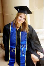 college graduation cap and gown 224 best cap and gown images on senior pictures