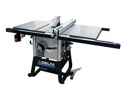 delta 10 inch contractor table saw delta 10 contractor table saw with 30 right rip and steel wings