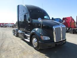 cheap kenworth for sale used 2012 kenworth t700 sleeper for sale in ca 1211