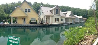 owners fight to keep u0027floating houses u0027 on tva waterways wate 6