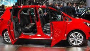 porte aperte auto nuova meriva porte aperte allo stand opel anteprime motori it