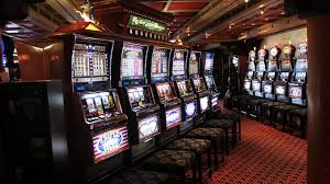 how casinos u0026 slot machines are designed to addict you youtube