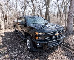 chevy earthroamer 2017 chevy silverado 2500 hd duramax is one comfy heavy hauler