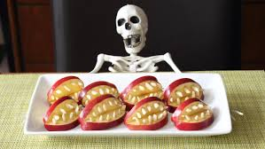 Halloween Treats And Snacks Devil U0027s Dentures Healthy U0026 Super Scary Apple Halloween Treats