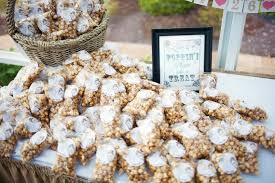 popcorn wedding favors 10 wedding favors 1 cheap wedding favor ideas