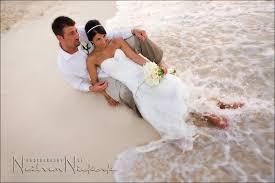 bahama wedding dress destination wedding photographer