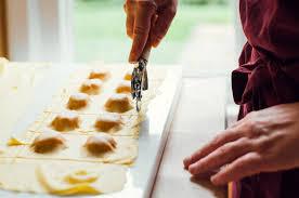 mostarda di zucca mantovana la zucca abbraccia voluttuosa gli amaretti la mostarda di frutta