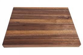 planche bois cuisine la planche pas seulement pour découper johanne gobeil