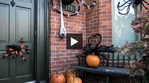 stylish u0026 spooky diy halloween spider decorations