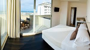 hotel chambres communicantes chambres communicantes mona hôtel 3 étoiles avec piscine