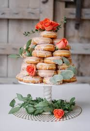 10 scrumptious real wedding doughnut displays