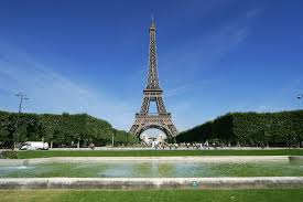 Large Eiffel Tower Statue 101 Things To Do In Paris U2013 Attractions Culture Restaurants