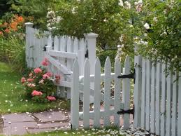 Small Garden Fence Ideas 7 Small Garden Fencing Ideas For A Gorgeous Backyard Home Of