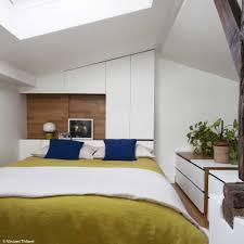 decoration chambre comble avec mur incliné chambre avec salle de bain sous comble galerie et decoration chambre