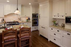 Molding Types To Raise The Bar On Your Kitchen Cabinetry - Crown moulding ideas for kitchen cabinets