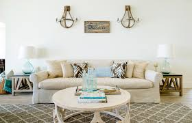 tour this country singer u0027s florida beach house then shop the look