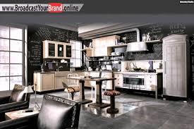 tafelfarbe küche rustikale küche wand tafelfarbe schwarz holzschrank