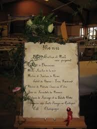 prã sentation menu mariage bouquet sur chevalet menu mariage bienvenue dans mon jardin